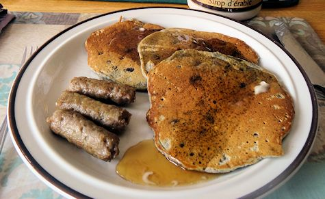 Huckleberry Buckwheat Pancakes at oldfatguy.ca
