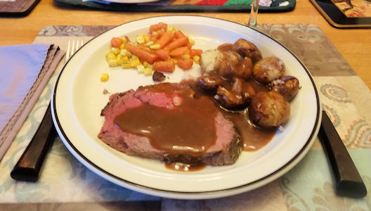 Roast Beef and Potatoes at oldfatguy.ca