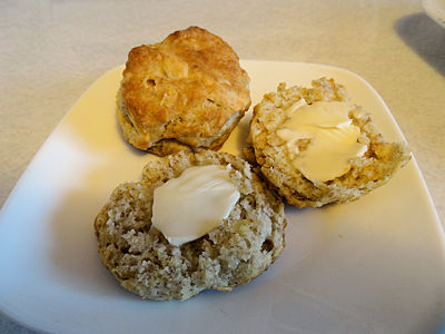 Linda's Sourdough Biscuits at oldfatguy.ca
