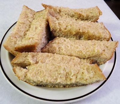 L&P Garlic Bread at oldfatguy.ca