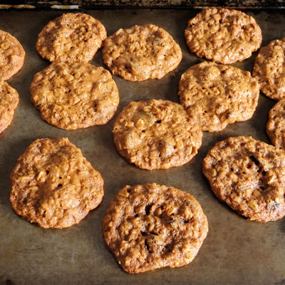 Old Fashioned Oatmeal Raisin Cookies IN